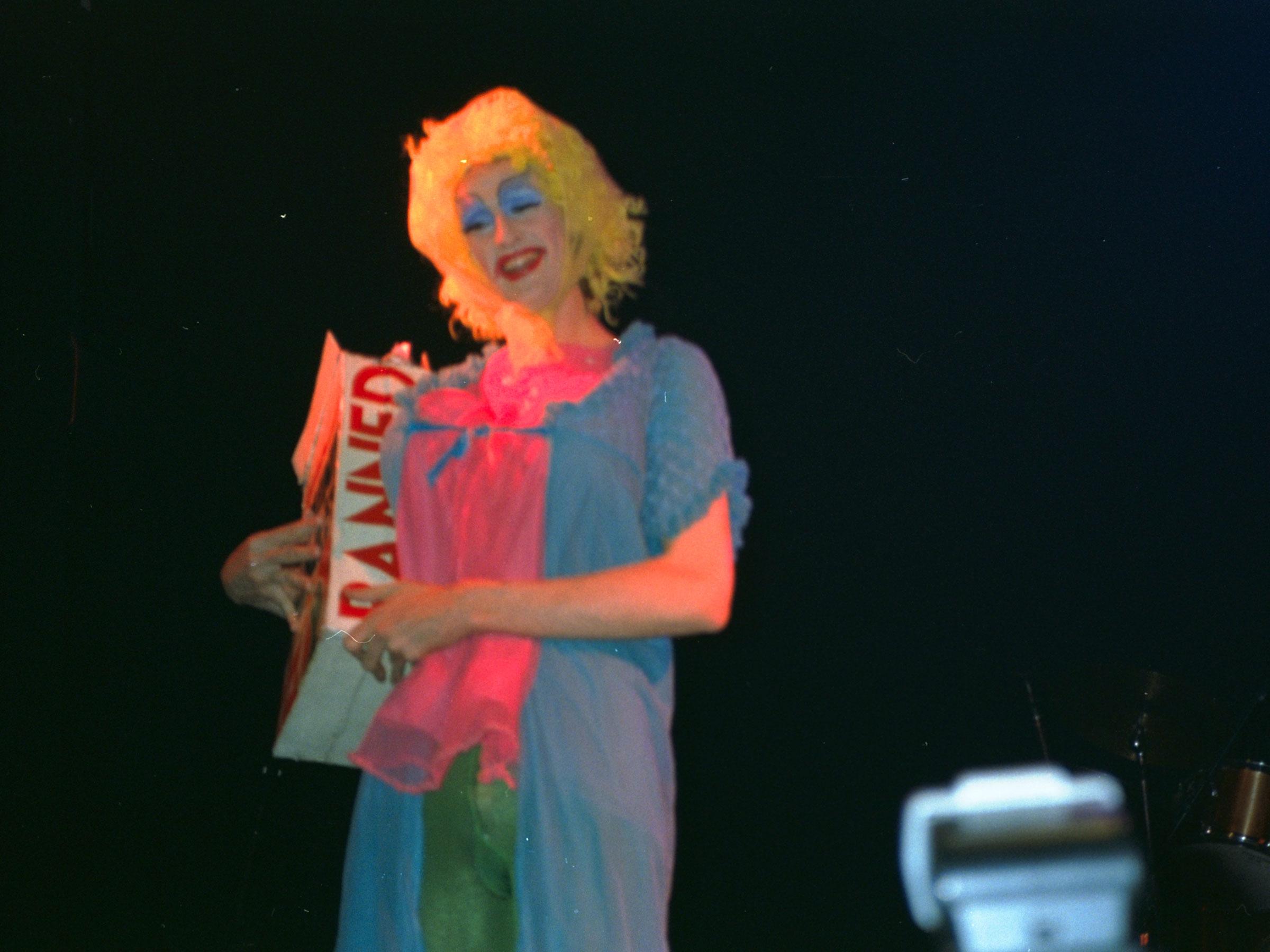 1993-12-12-SF-Winter-Pride-PCD479-041