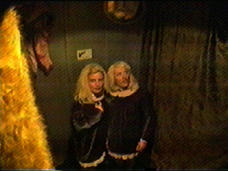 1997-05-18-SF-Broth-Garden-Party-tv01-blondes