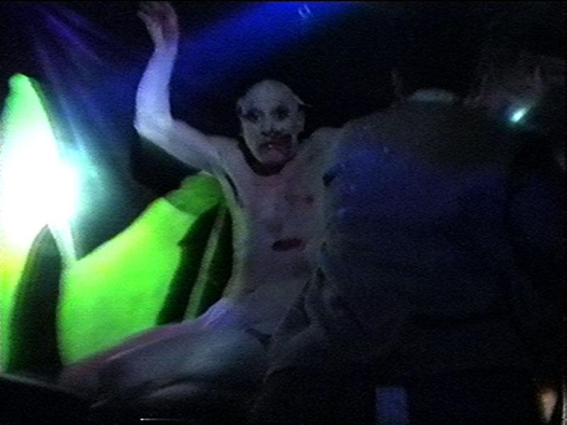 1997-12-04-SF-Monster-27-paul-terror