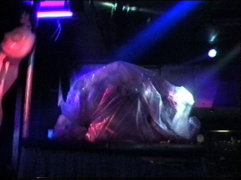 1997-12-04-SF-Monster-31-dead-bag