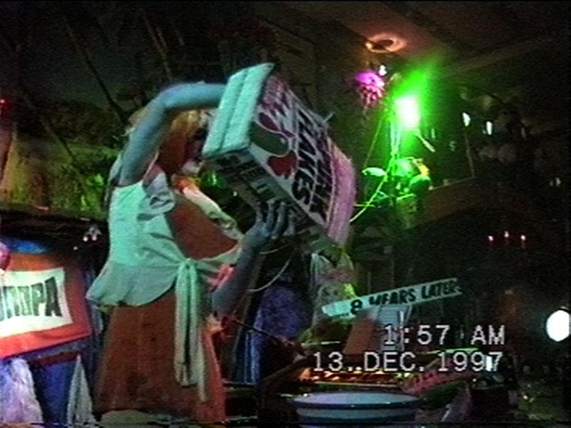 1997-12-12-SF-Schmalzwald-02-danny-pour-flakes