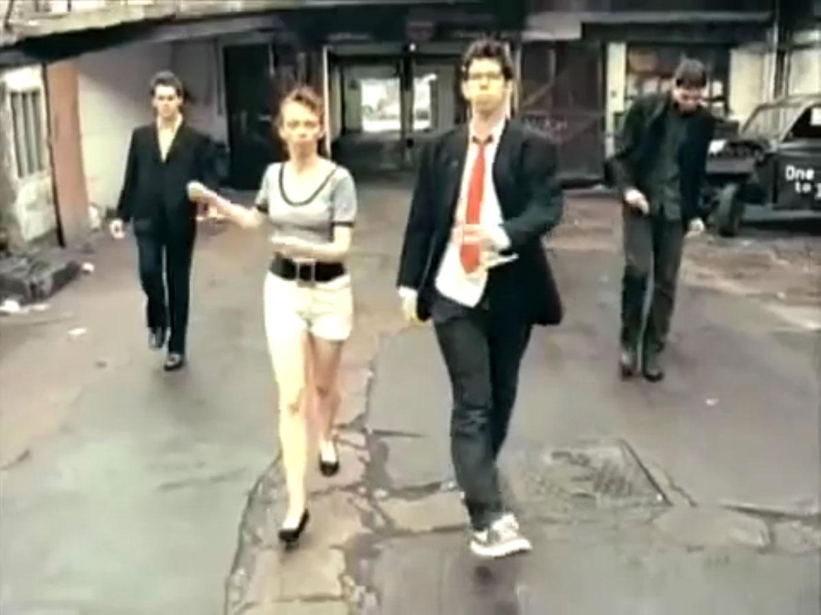 1998-04-01-Hefner-Sweetness-Lies-Within-videograb-06