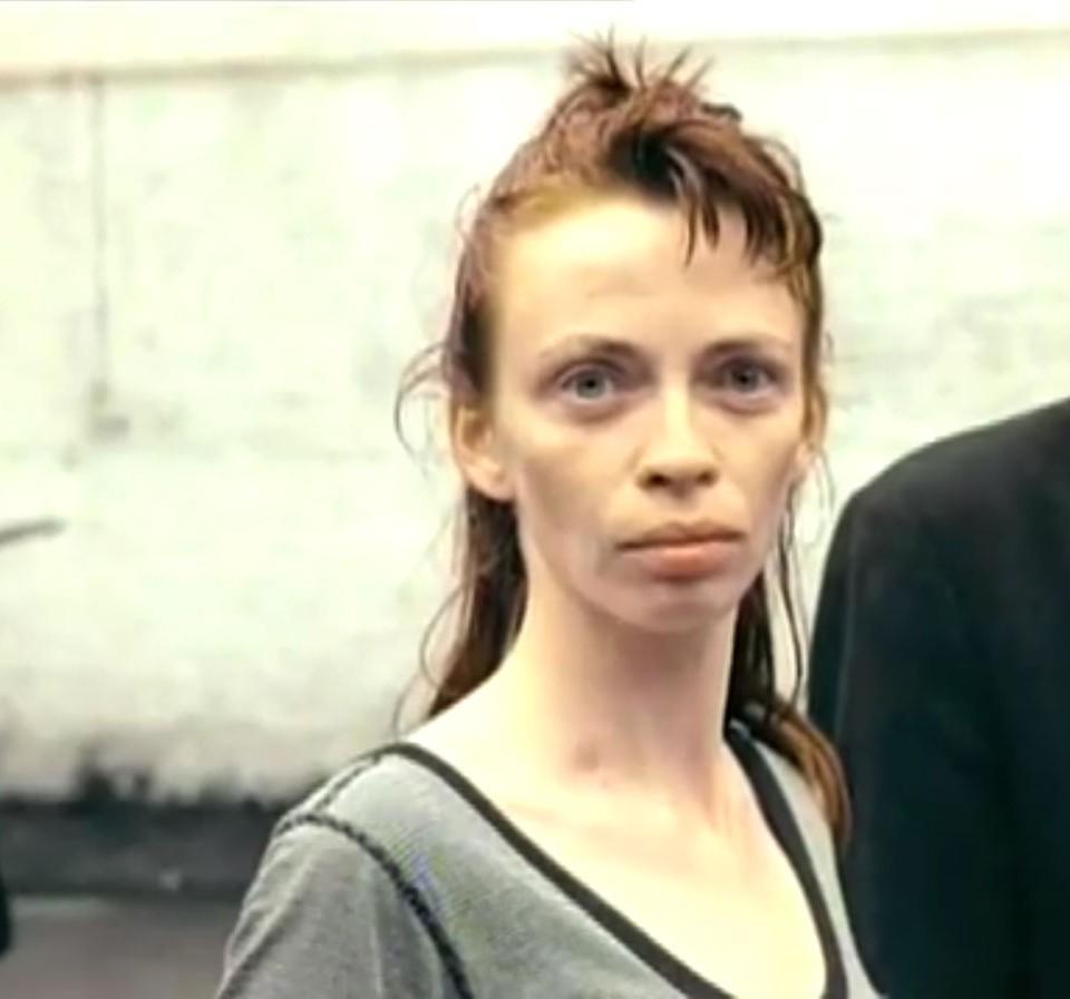 1998-04-01-Hefner-Sweetness-Lies-Within-videograb-08