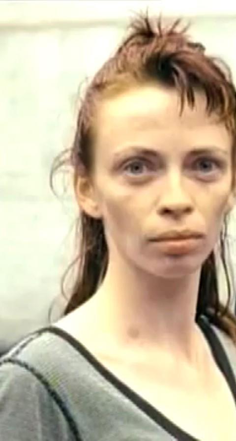 1998-04-01-Hefner-Sweetness-Lies-Within-videograb-09