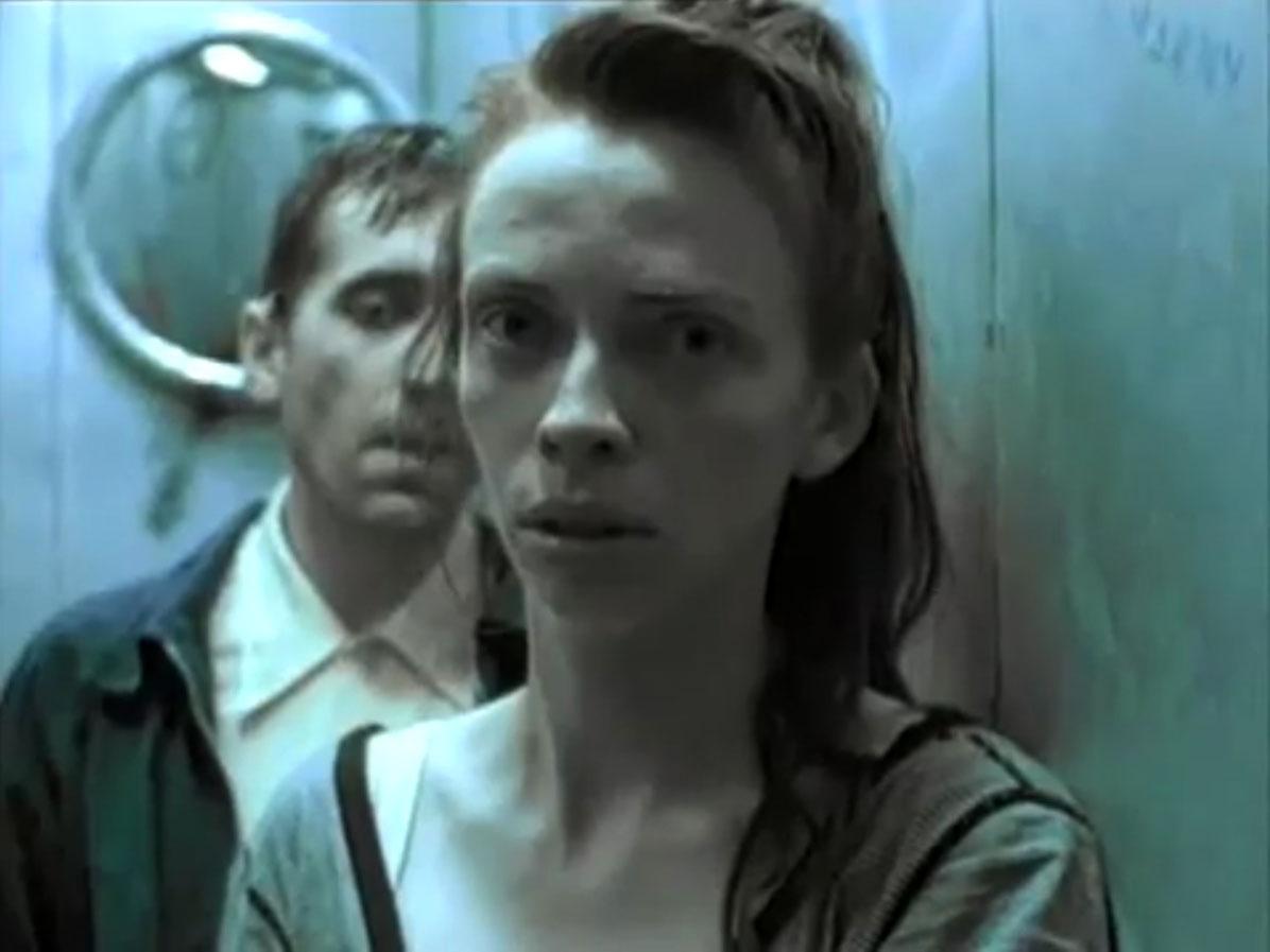 1998-04-01-Hefner-Sweetness-Lies-Within-videograb-15