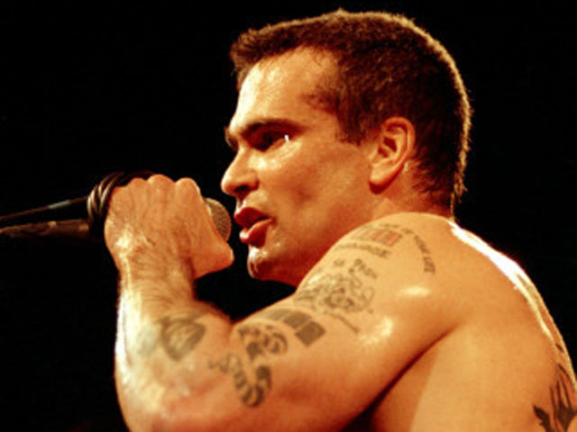 Henry Rollins Singing, 8 December 2008, photo by beezlebubba