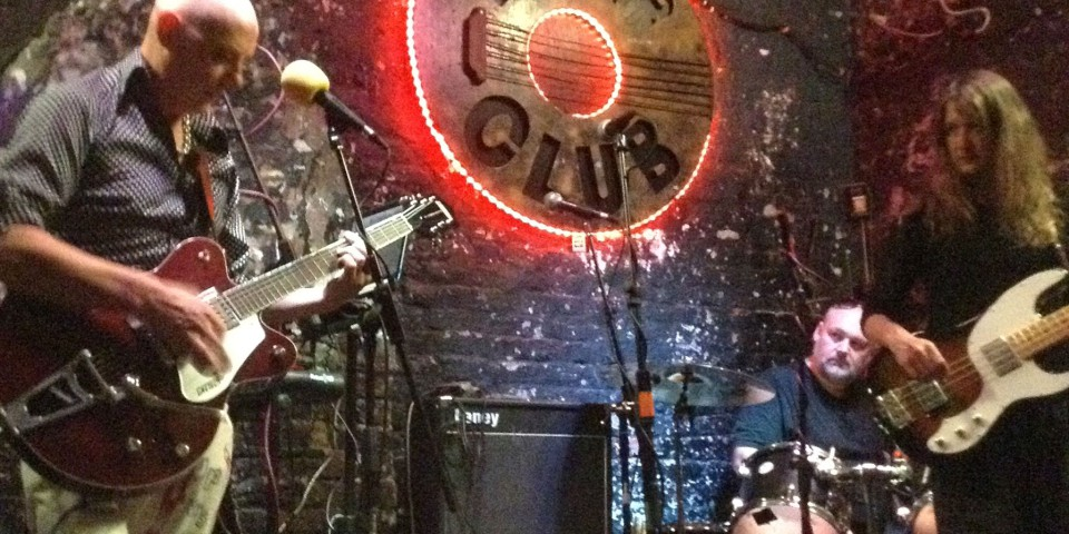 2014-09-02-SF-12-Bar-gig-iPhone-Dan-8006-lg