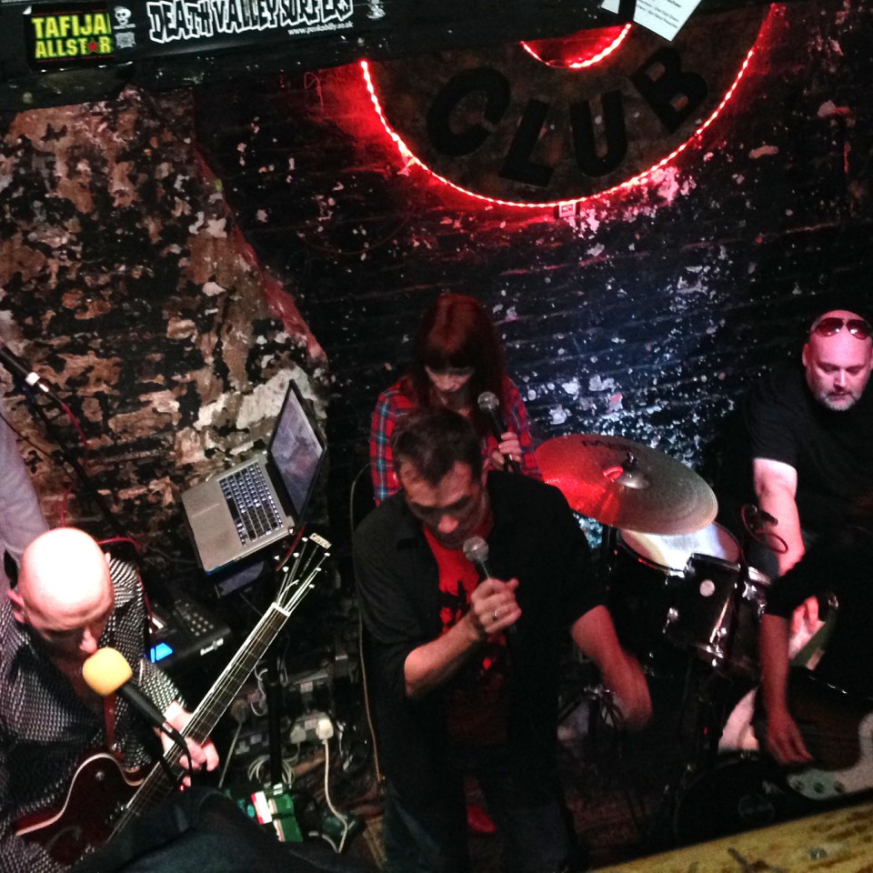 2014-09-02-SF-12-Bar-gig-iPhone-John-2407-lg
