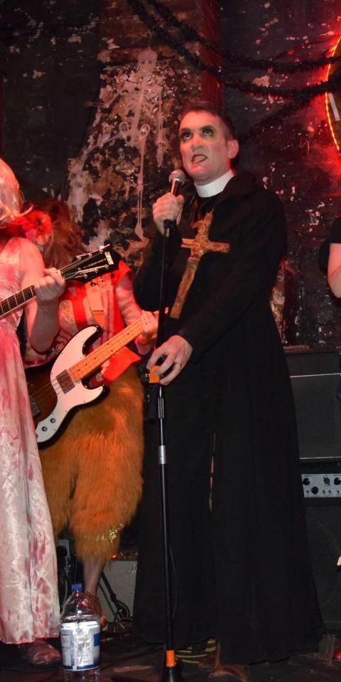 2014-10-31-SF-12-Bar-Halloween-gig-Nikon-Dan-0127-lg