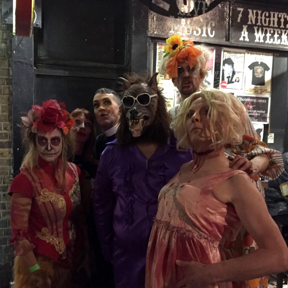 2014-10-31-SF-12-Bar-Halloween-gig-iPhone-Dan-3532-lg